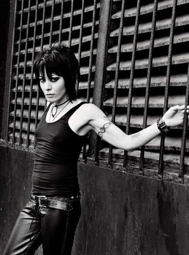 Joan Jett wallpaper with a hip boot called Joan Jett