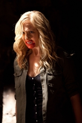 http://images4.fanpop.com/image/photos/15700000/Kill-Or-Be-Killed-the-vampire-diaries-15734513-266-400.jpg