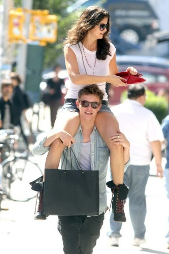 foto's Of Xavier Samuel With Girlfriend In NYC!