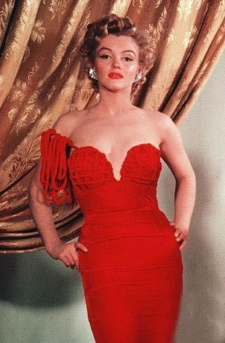 Red Dress - marilyn-monroe Photo