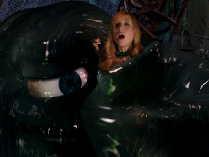 Sarah in Scooby Doo 2: Monsters Unleashed