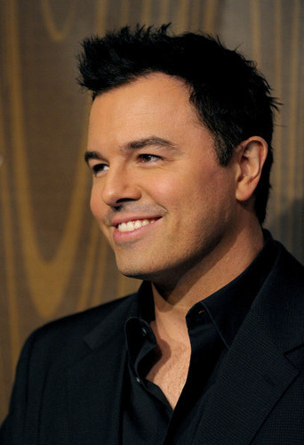 Seth MacFarlane wallpaper with a business suit, a suit, and a three piece suit entitled Seth MacFarlane