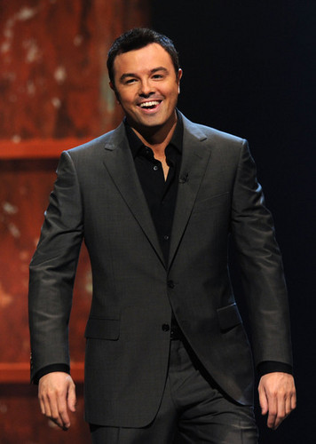 Seth MacFarlane wallpaper containing a business suit, a suit, and a two piece entitled Seth MacFarlane