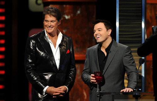 Seth MacFarlane achtergrond containing a business suit, a suit, and a three piece suit titled Seth and David