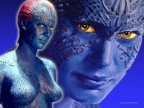 Sexy Mystique from The X-men played door Rebecca Romijn