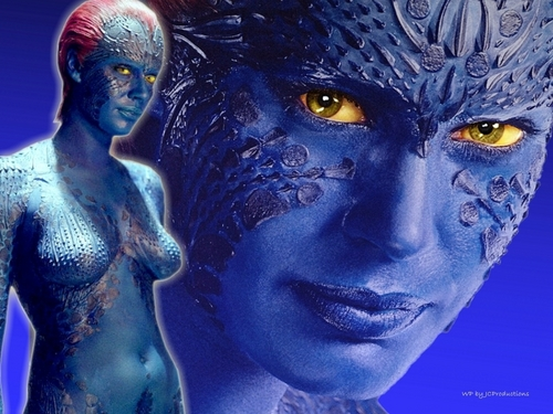 Sexy Mystique from The X-men played bởi Rebecca Romijn