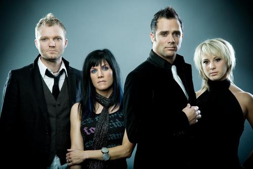 Skillet fondo de pantalla with a well dressed person, a business suit, and a dress suit titled Skillet♥