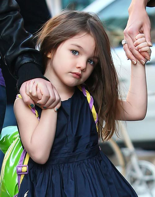 http://images4.fanpop.com/image/photos/15700000/Suri-Cruise-perfect-Renesmee-renesmee-carlie-cullen-15739281-500-633.jpg