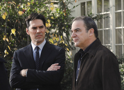 SSA Aaron Hotchner 壁纸 with a business suit and a suit called The Big Game (HQ)