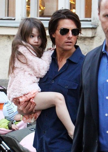 Tom Cruise and Katie Holmes: Buggy Babe