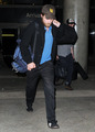 HQ Pics Of Robert Pattinson Arriving Back In LA Last Night   - twilight-series photo