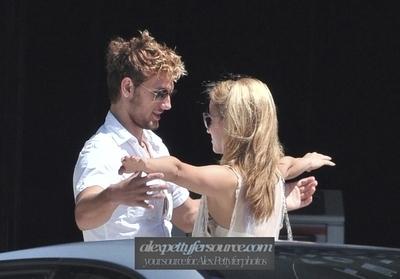 Alex Pettyfer & Dianna Agron in Beverly Hills (11 September)