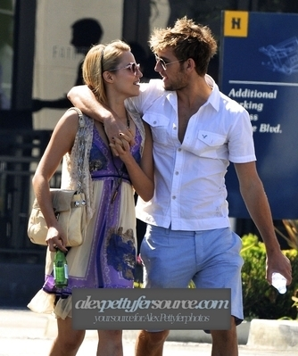 Alex Pettyfer & Dianna Agron in Beverly Hills (11 September)
