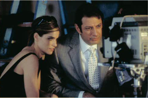 Behind the Scenes: Jeff Goldblum & Amanda Peet
