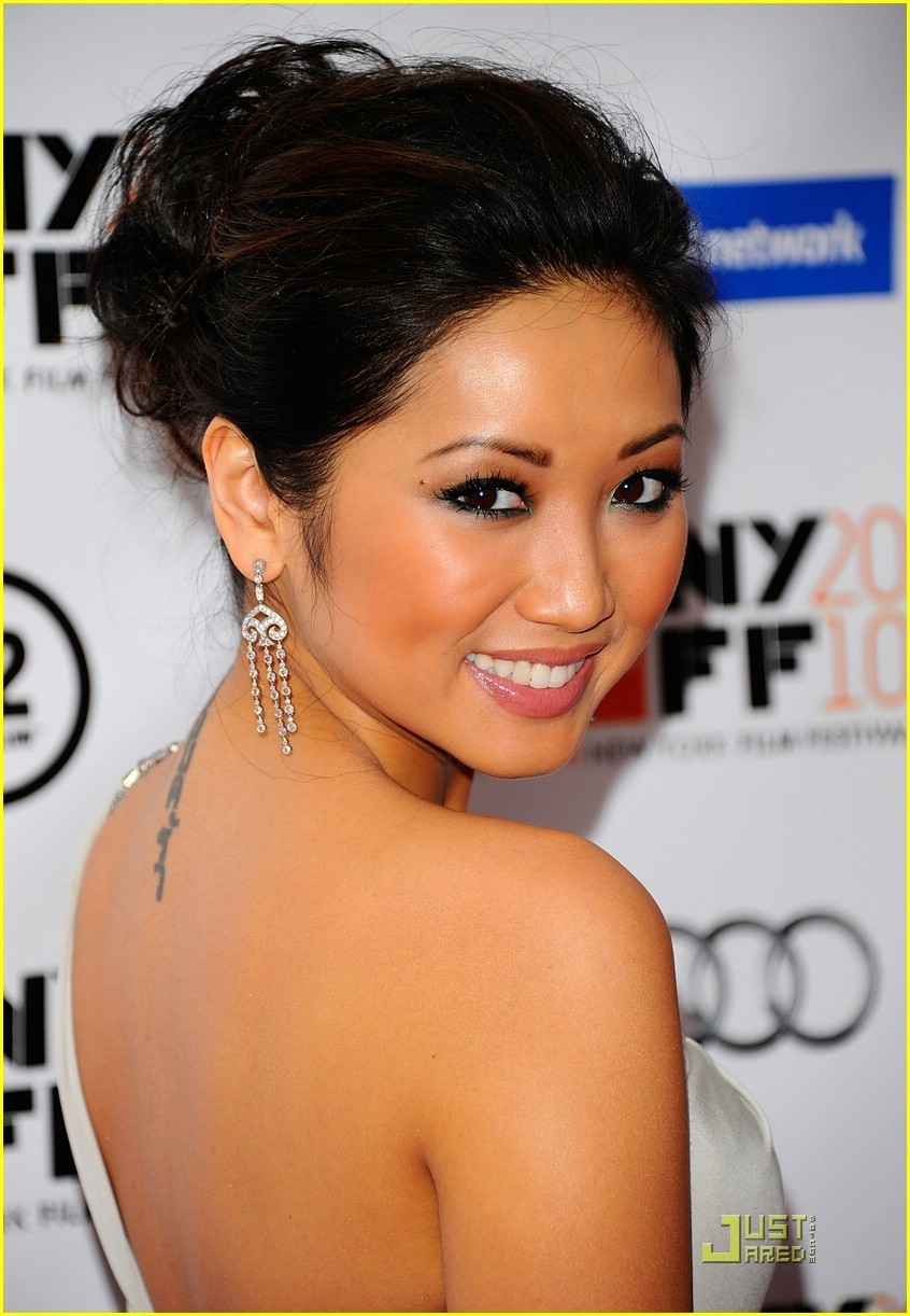 Brenda Song is a 'Social'