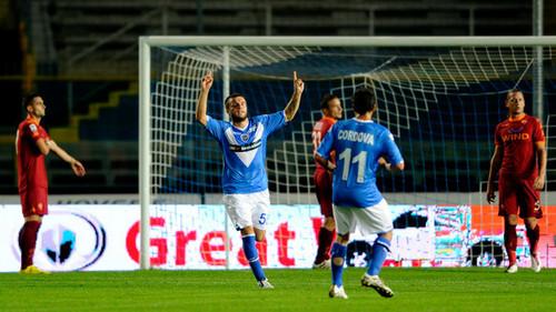 Hetemaj playing for Brescia