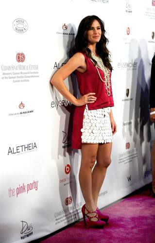 Jen at the 6th Annual kulay-rosas Party!