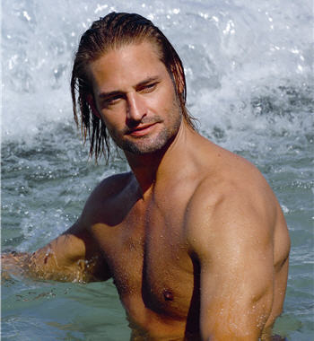 Hottest Actors wallpaper with a hot tub and a bather entitled Josh Holloway