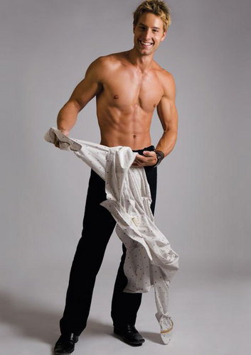 Justin Hartley wallpaper probably containing a six pack, a hunk, and skin called Justin <3333333