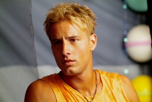 Justin Hartley Hintergrund possibly with a portrait titled Justin <3333333