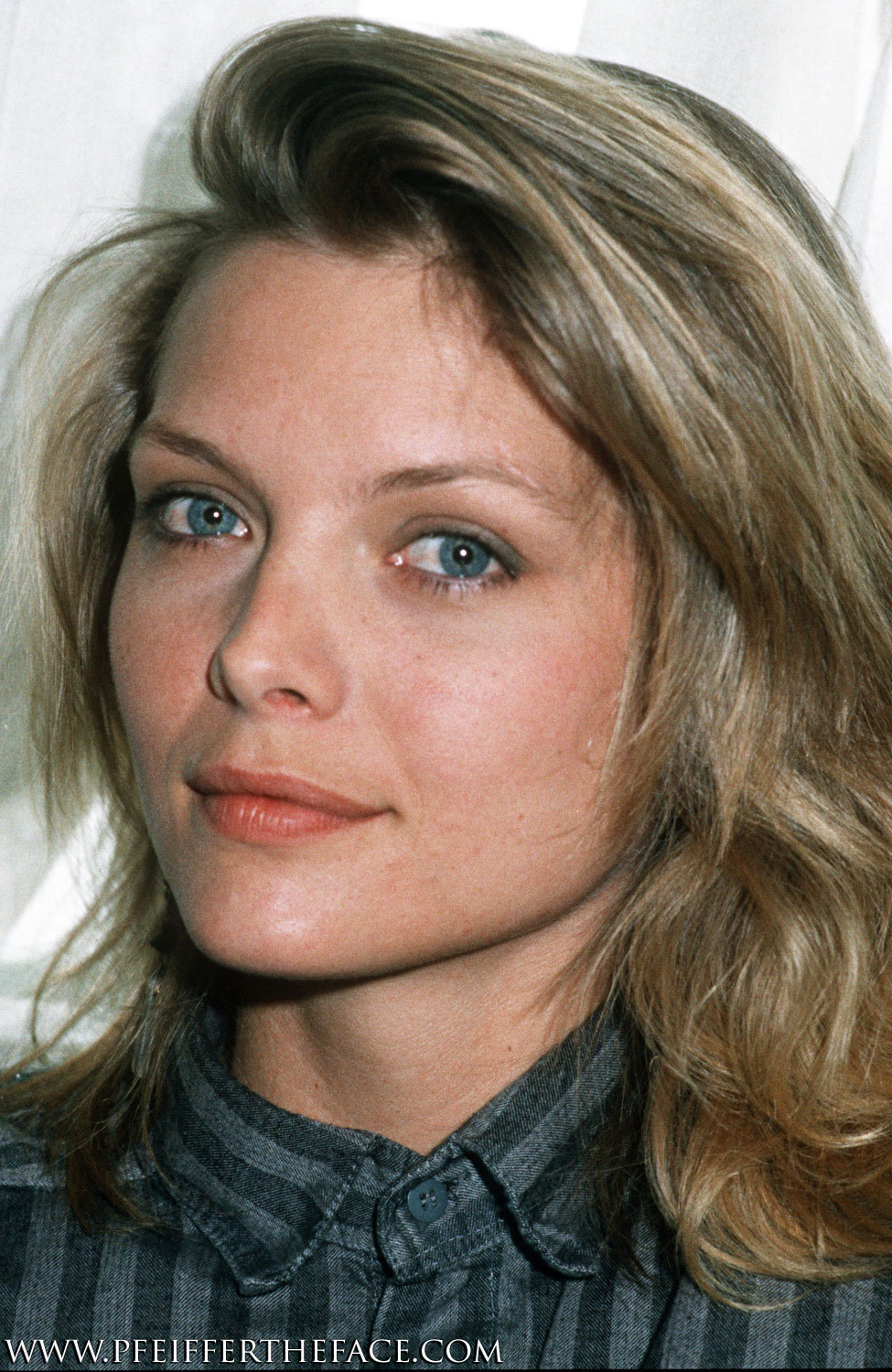 Michelle Pfeiffer - Wallpaper Hot