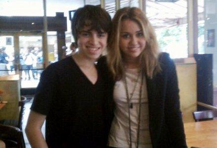 Miley Cyrus प्रशंसक MEETING TODAY