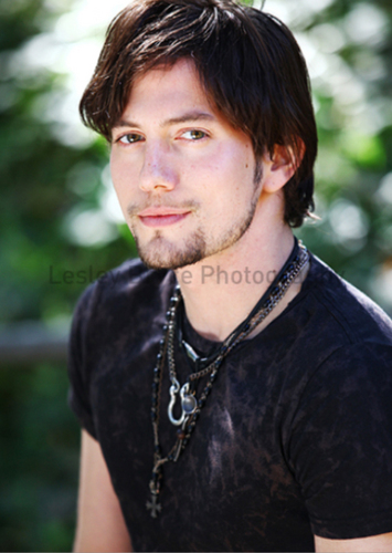 Mehr Outtakes Of Jackson Rathbone From Troix Magazine!