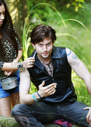 thêm Outtakes Of Jackson Rathbone From Troix Magazine!
