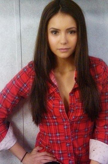 Nina Dobrev - the-vampire-diaries photo