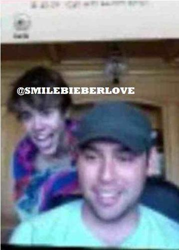 OMB! Justin after the doccia with a towel :)