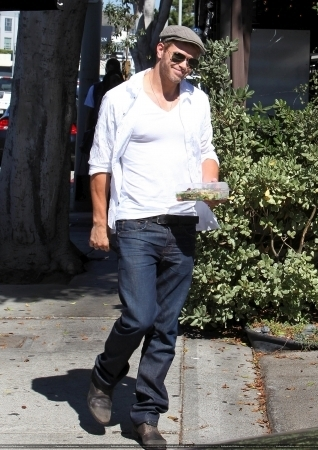 Out in LA - 24 Sep 2010
