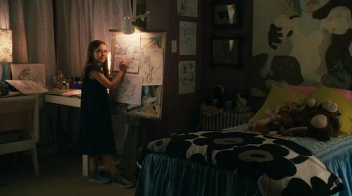 Renesmee in her room