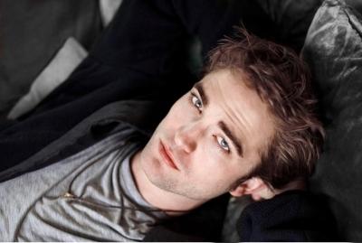 Robert Pattinson > Photoshoots > Shinning Magazine