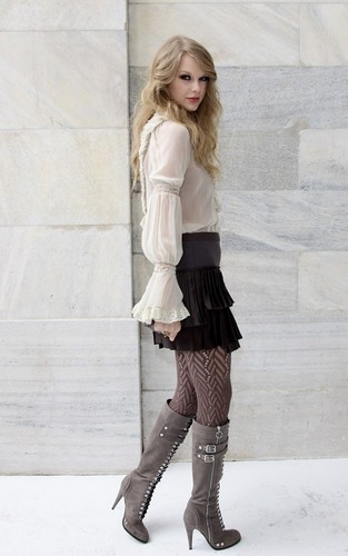 Roberto Cavalli Spring/Summer 2011 fashion tunjuk