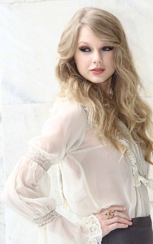 Taylor Swift wallpaper possibly containing a blouse and a portrait called Roberto Cavalli Spring/Summer 2011 fashion show