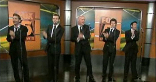 Screenshots I took from Celtic Thunder's performance on 狐狸