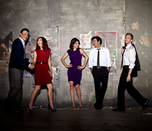 How I Met Your Mother kertas dinding possibly containing a well dressed person, a business suit, and long trousers called Season 6 Photoshoot