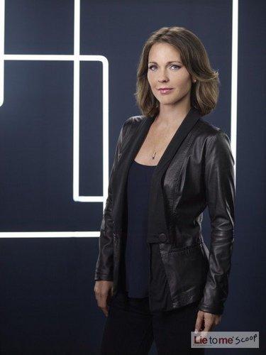 Season Three Cast Picture- Kelli Williams