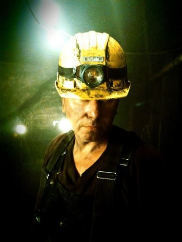 Lie to Me wallpaper probably with a crash helmet called Tim Roth - Miner