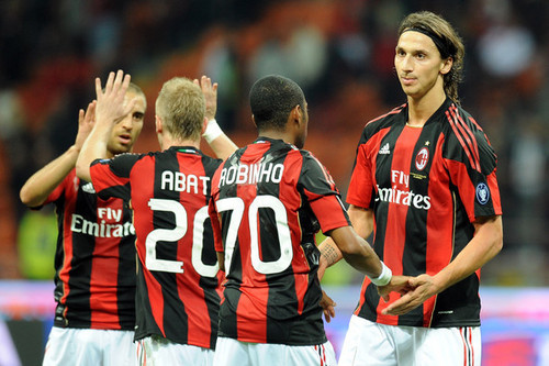 Zlatan Ibrahimovic karatasi la kupamba ukuta possibly with a mpira wa kikapu player entitled Zlatan playing for Milan