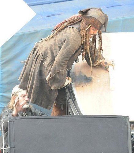 johnny depp-pirates of the caribbean4