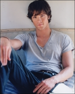 Jared Padalecki wolpeyper probably containing a sign called so freakin cute!