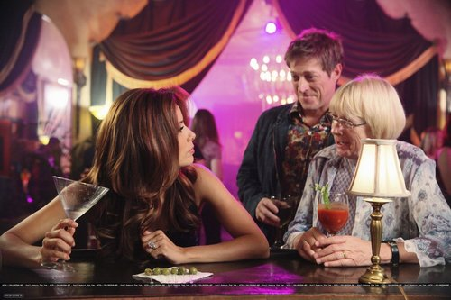 "7x05 ""Let Me Entertain You"" - desperate-housewives Photo"