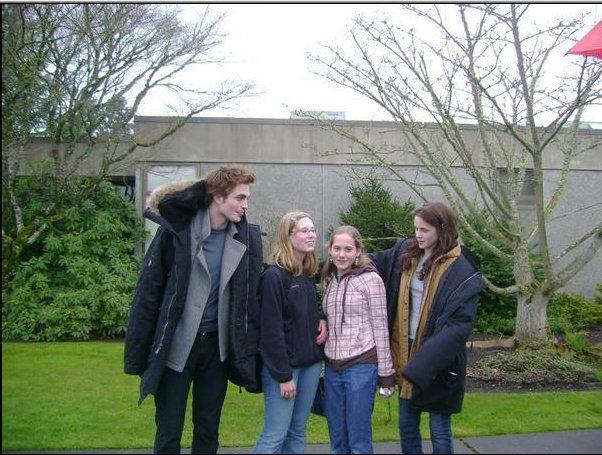 Pic of Robert Pattinson & Kristen Stewart from Twilight