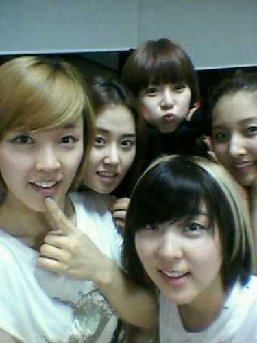 4Minute with no make-up
