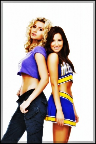 Alyson Michalka & Ashley Tisdale