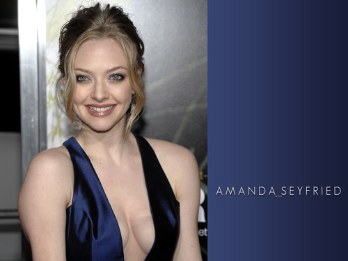 Amanda Seyfried wallpaper called AmaNda