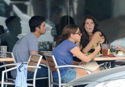 Ashley Greene & Joe Jonas