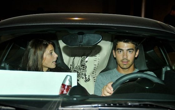 Ashley Greene & Joe Jonas