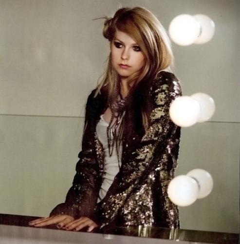 avril lavigne fondo de pantalla entitled Avril-[UNSEEN] Outtakes [2009-2010]